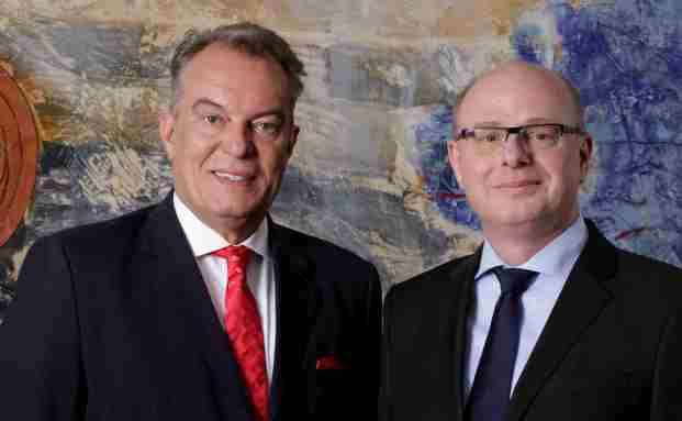 Thomas F. Roth und Dr. Jorgen H. Feldmann (rechts), neues Mitglied des Vorstandes bei der IMMAC Gruppe.