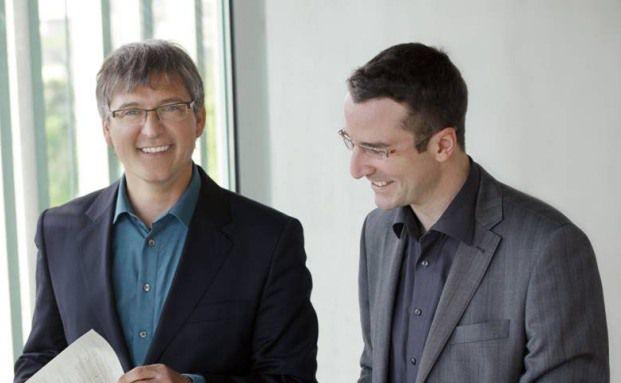 Jochen Knoesel (li.) und Ulrich Ronge managen den <br> Aktienfonds Deutschland Spezial.