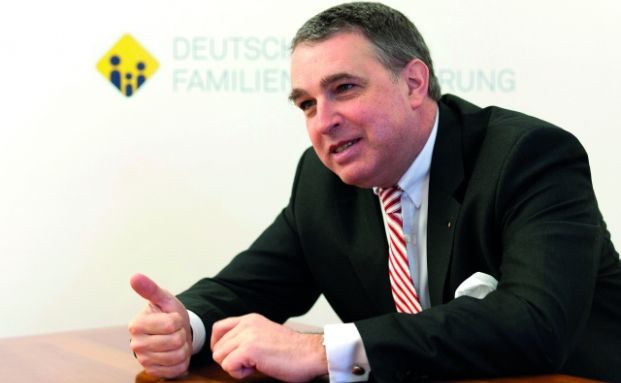 Stefan M. Knoll, Vorstand der DFV Familienversicherung AG