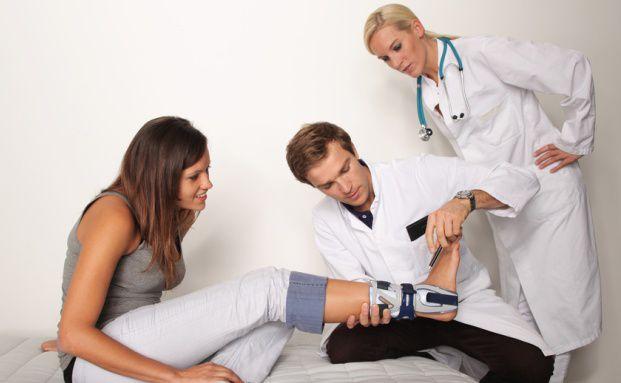 Auch eine langwierige Verletzung kann die Krankschreibungsdauer in bedenkliche Höhen treiben. Bild: Fotolia