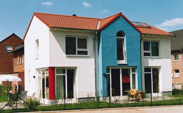 Neubau: Nicht alle Kunden von Bausparkassen rufen nach Ende der Ansparphase auch tatsächlich ein Baudarlehen ab und bauen ein Eigenheim. Foto: LBS