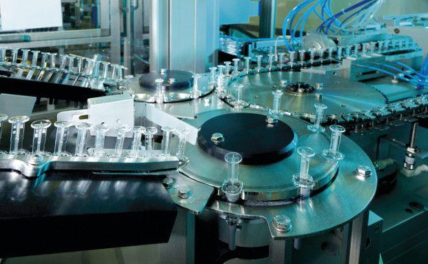 Moderne Verpackungslinie für Impfstoffe bei Glaxosmithkline Biological in Dresden. Pharma ist zurzeit die am stärksten gewichtete Branche im BNY Mellon Global Real Return Fund (Foto: obs/Glaxosmithkline GmbH & Co.KG)