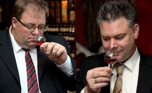 Vermögensverwalter Marco Jansen und Whisky-Experte Tim Tünnermann. Tünnermann ist Geschäftsführer, Jansen Gesellschafter von whisky-investments.de