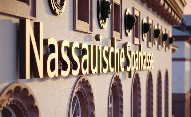 Die Nassauische Sparkasse in Wiesbaden. Sie gehört zu den drei Banken, die von Verbraucherschützern mit der Bestnote