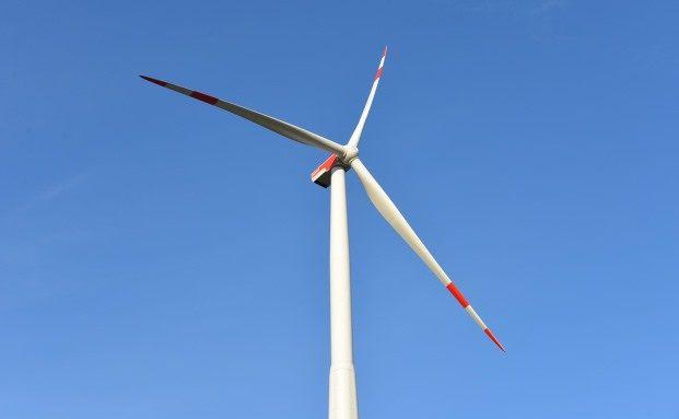 Windkraft bietet sich besonders aufgrund der schnellen Amortisierung an, Foto: Pixabay blickpixel (CC0 Public Domain 1.0)