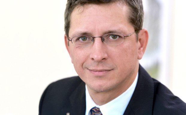 Norman Wirth, Fachanwalt für Versicherungsrecht und Geschäftsführender Vorstand des AfW