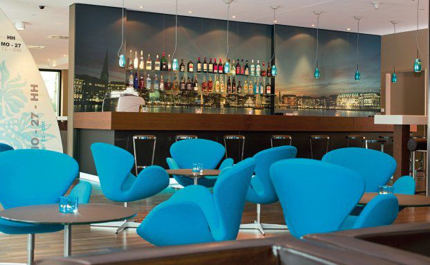Die Lounge des Hamburger Motel One Hotels. Foto: Motel One