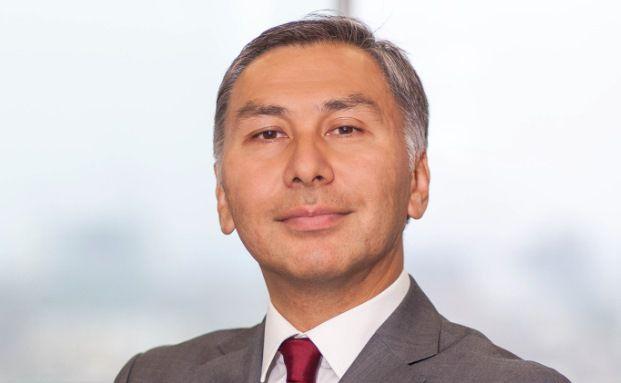 Yerlan Syzdykov managt den Pioneer Funds – Emerging Markets Bond