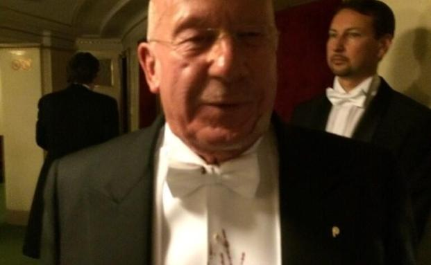 Ulrich J. Pfaffelhuber, Geschäftsführer der VAF Pfaffelhuber, beim Opernball. (Foto: twitter.com/DoraVarro)