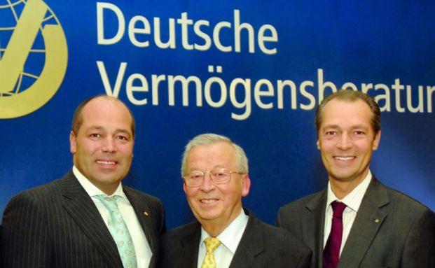 Die Familie hinter der DVAG: Reinfried Pohl junior, der verstorbene Patriarch Reinfried und Andreas Pohl (von links). Foto: DVAG