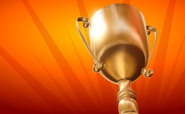 Die beste Privatbank holt den Pokal. Quelle: Fotolia