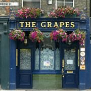 """Pub """"The Grapes"""" in London"""