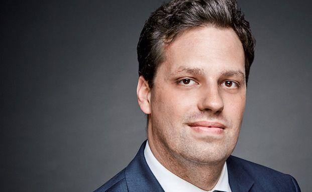 Dr. Christian Pfeifer ist Rechtsanwalt der 1996 gegründeten Frankfurter Kanzlei REISS und Spezialist auf dem Gebiet des Steuer- und Wirtschaftsstrafrechts.