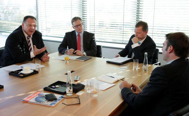 Die Finanzexperten Uwe Fuiten, Walter Liebe und Roland Schmidt (v.l.n.r.) Foto: Manfred Kötter