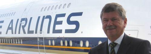 Jürgen Salamon vor einem Airbus A380