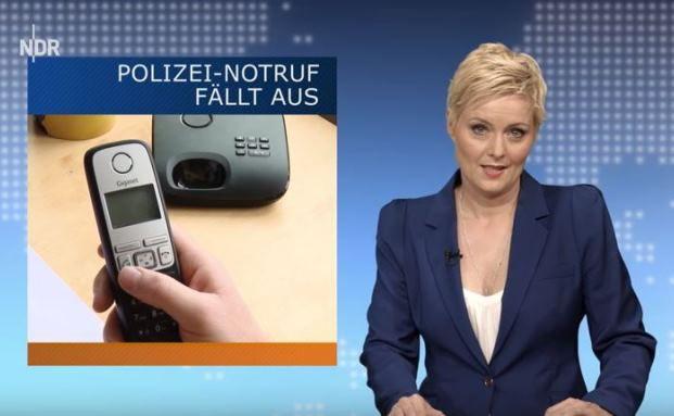 Kein Anschluss unter 110: Postillon-24-Nachrichtensprecherin Anne Rothäuser