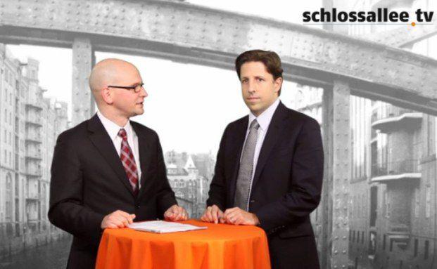 Daniel Koller (rechts), Portfoliomanager von BB Biotech im Gespräch mit DAS-INVESTMENT-Redakteur Andreas Scholz
