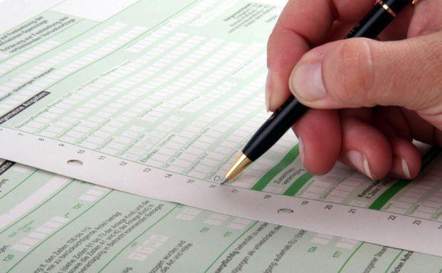 Die Steuererklärung für 2012 steht an. Foto: Fotolia