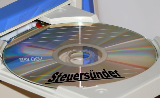 Seit dem Kauf der ersten Schweizer Steuer-CD 2010 meldeten sich mehr als 60.000 deutsche Steuersünder (Foto: Pixelio/Kurt F. Domnik).