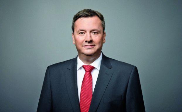 Der Wirtschaftsinformatiker Carsten Stillbauer managt den Multi-Asset-Fonds Castell VV ausgewogen seit dessen Aufl egung Anfang August 2012