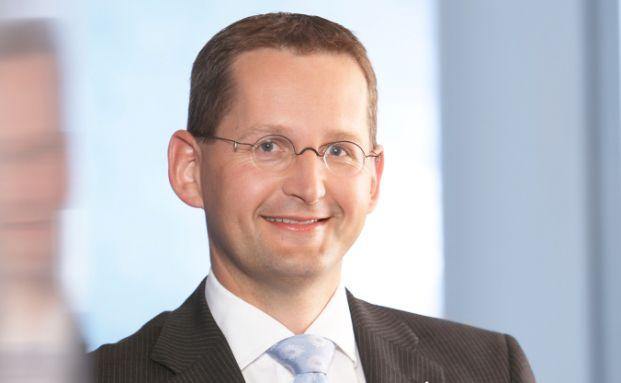 Jörg W. Stotz, Geschäftsführer bei Hansainvest