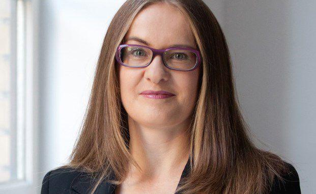 Susanne Schönefuß berät unabhängige Vermögensverwalter dabei, ihren öffentlichen Auftritt zu optimieren, ihre Leistungsschwerpunkte zu fokussieren und ihre individuellen Stärken prägnant darzustellen. Weitere Informationen unter http://www.susanne-schoenefuss.de/.