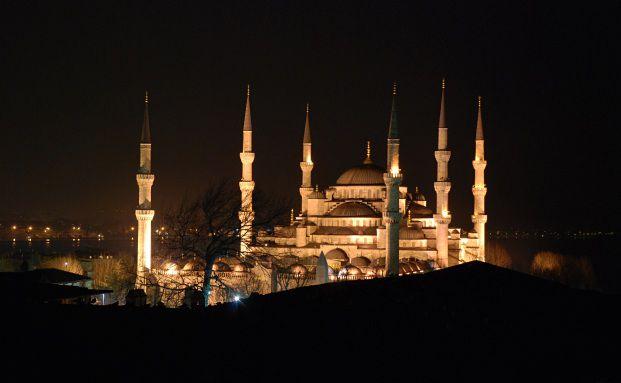 Blaue Moschee in Istanbul: Die Stimmung an einer der erfolg- <br> reichsten B&ouml;rsen des Jahres 2010 hat sich in den vergangenen <br> Wochen schlagartig verd&uuml;stert, Foto: Fotolia