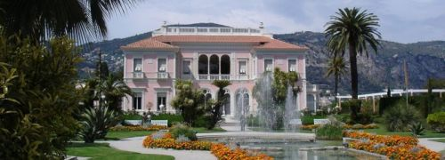 Villa Ephrussi de Rothschild bei Nizza, Frankreich. <br> Zuk&uuml;nftig werden in den Schwellenl&auml;ndern mehr <br> Million&auml;re als in Europa leben