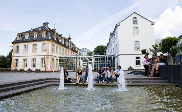 Das Hauptgebäude der WHU Otto Beisheim School of Management in Vallendar. Foto: WHU