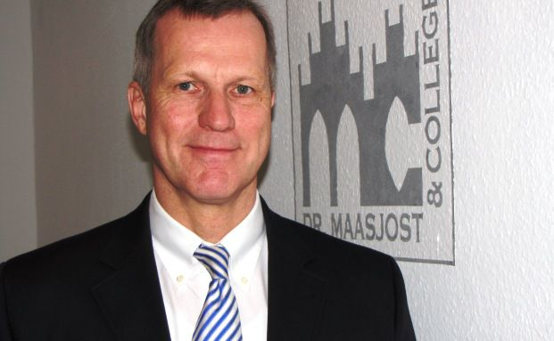 Bernward Maasjost, Dr. Maasjost & Collegen