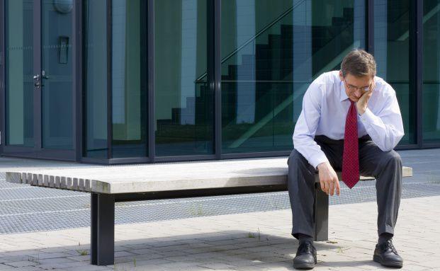 Jahrelange 100-Stunden-Wochen bleiben nicht ohne <br> Folgen: Viele Investmentbanker sind ersch&ouml;pft, chronisch <br> krank oder s&uuml;chtig nach Alkohol oder Medikamenten. <br> Quelle: Fotolia