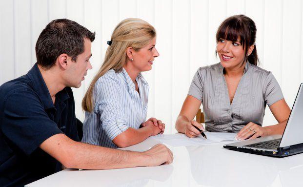 Kunden erwarten mehr Initiative von ihrem Bankberater.
