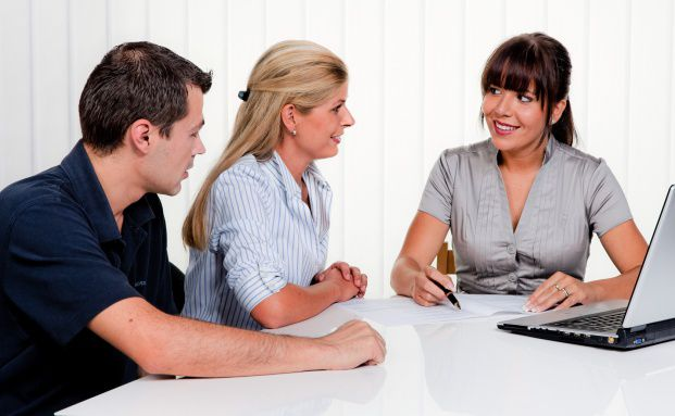 Beratung: Um eine gute Beratung zu bieten, sollten sich Makler regelmäßig weiterbilden. Eine Möglichkeit ist das Qualifizierungskonzept GoPROFI der Gothaer.