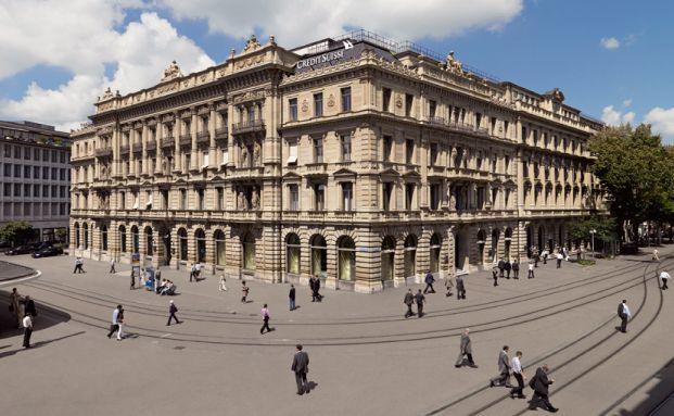 Hauptsitz der Credit Suisse Gruppe am Paradeplatz in Zürich: Das Privatkundengeschäft in Deutschland übernimmt jetzt die Bethmann Bank. (Foto: Credit Suisse)