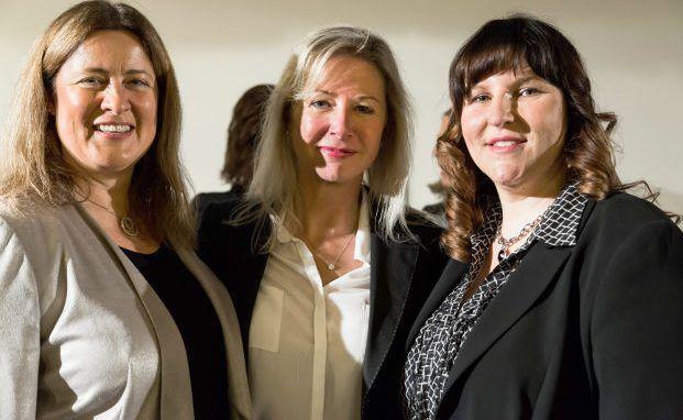 Anke Dembrowski mit Fondsfrauen-Mitgründerinnen Anne E. Connelly und Manuela Fröhlich (v.l.n.r.)