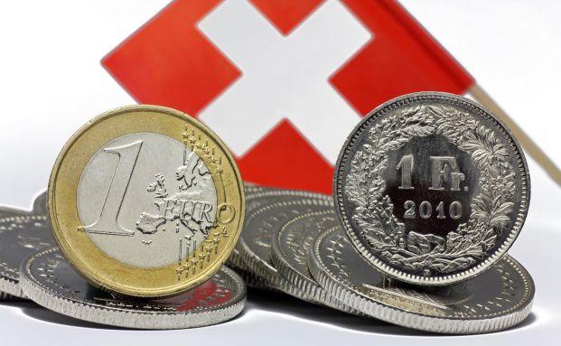 Trotz achtprozentigem Verlust seit Jahresbeginn gegen&uuml;ber <br>dem Franken ist der Euro stark bewertet. Quelle: Fotolia