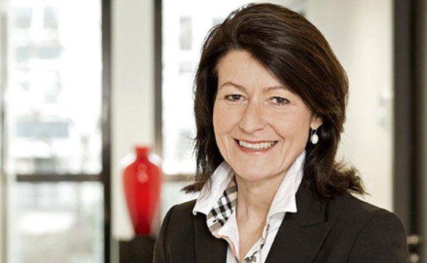 Ulrike Häuserer ist Kundenbetreuerin der Michael Pintarelli Finanzdienstleistungsgesellschaft