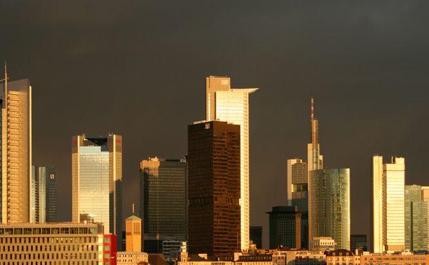 Finanzhochburg Frankfurt: Bankanleihen sind vergleichsweise<br>teuer bewertet. (Foto: Fotolia)