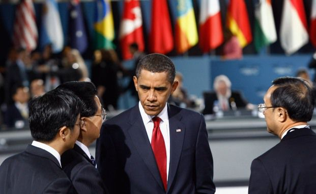 US-Pr&auml;sident Obama und Japans Pr&auml;sident Hu auf dem G20<br>Gipfel in Pittsburgh 2009. Laut Autor Andreas Rees ist die ge-<br>b&uuml;ndelte St&auml;rke der G20-L&auml;nder n&ouml;tig, um die internationalen<br>Finanzm&auml;rkte zu beruhigen. Quelle: Getty Images