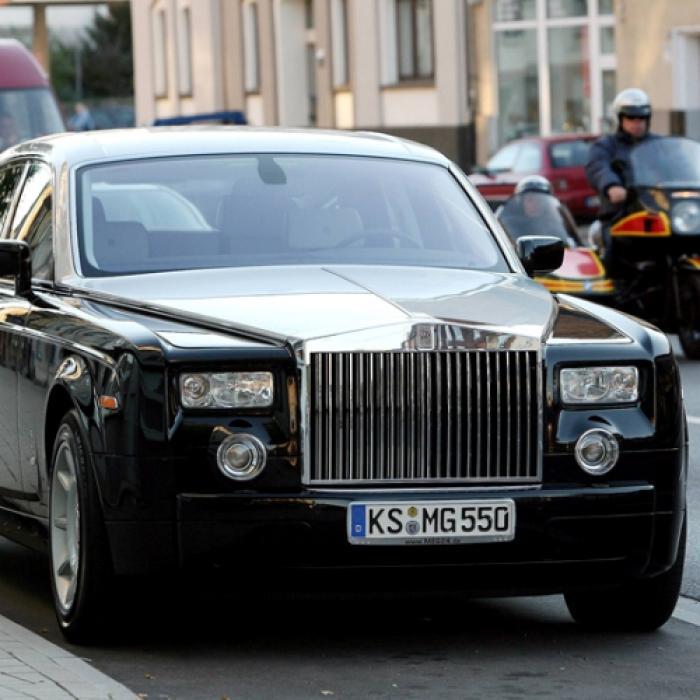 Der MEG-Rolls-Royce soll dem<br>Insolvenzverwalter Geld bringen<br>(Foto: Fischer / HNA)