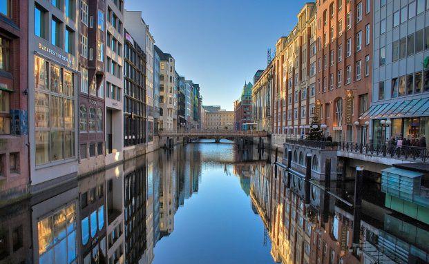 Hamburger Innenstadt: Deutsche Immobilien-Investoren <br> sehen sich selbst als Gewinner der Euro-Krise (Foto: Sandro G&ouml;tze/Fotolia)