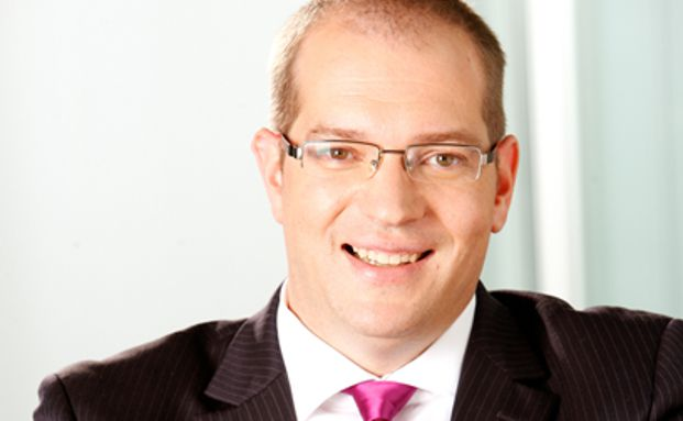 Rechtsanwalt Kai-Axel Faulmüller ist als Fachanwalt für Bank- und Kapitalmarktrecht sowie Handels- und Gesellschaftsrecht in Hamburg tätig.