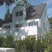 Eigentumsh&auml;user oder -wohnungen sind <br> f&uuml;r die meisten Deutschen die beste <br> Altersvorsorge; Quelle: Planethome