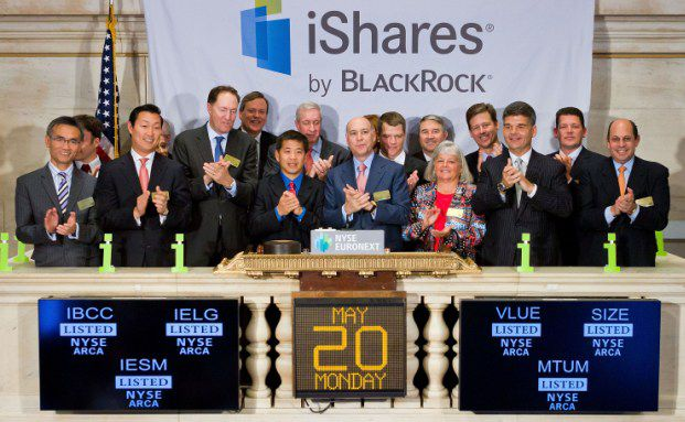 Robert Kapito (Mitte) mit Kollegen von Blackrock und iShares an der New Yorker Börse. Quelle: Getty Images