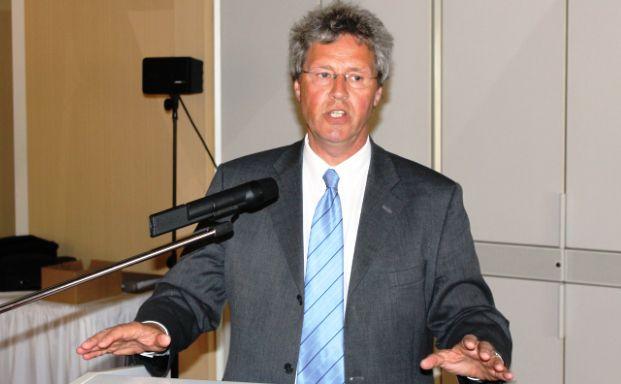 Klaus-Peter Flosbach (CDU) auf dem AfW-Entscheidertreffen in <br> Sommerfeld/Brandenburg.