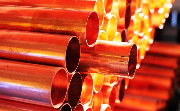 Kupfer-Rohre. Industriemetalle dr&uuml;ckten 2011 den <br> Rohstoff-Index. Quelle: Fotolia