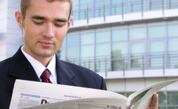 Noch schauen Privatinvestoren beim Thema Geldanlage lieber<br>in die Zeitung, anstatt sich aufs Internet zu verlassen.<br> Quelle: Fotolia