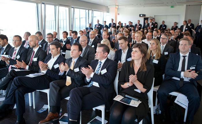 Über den Dächern von Hamburg beim private banking kongress. (Foto: Christian Scholtysik / Patrick Hipp)