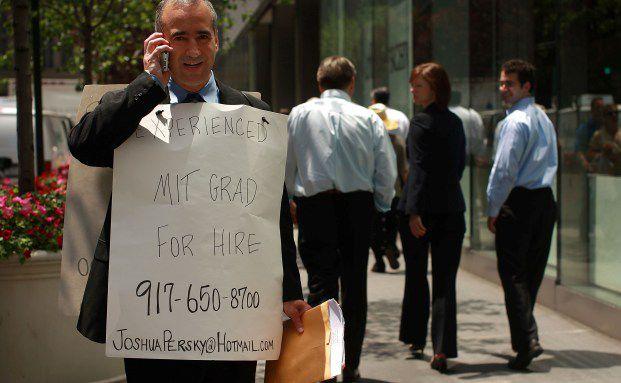 MIT-Absolvent Joshua Persky auf Jobsuche an der Wall Street. Quelle: Getty Images