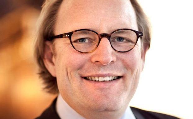 Oliver Röhl. Fotografin: Xandra Linsin